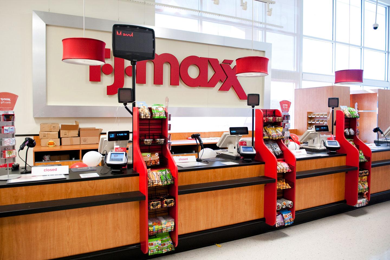 photo of a tj maxx store checkout